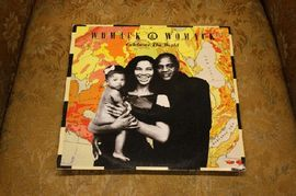 Womack & Womack - Celebrate the world, 12 BRW 125,  Island Records 1988 (Maxi single)