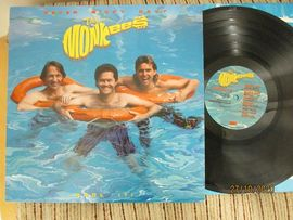 The Monkees , Pool it !  Rhino records 1987 .